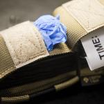 TSG (Coyote Brown) - otwarta kieszonka na rękawiczki.