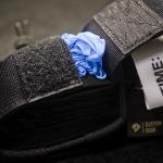 TSG (Czarne) - otwarta kieszonka na rękawiczki.